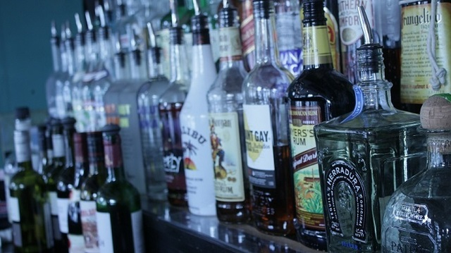 Judge: State agency may drop rule limiting alcohol sellers